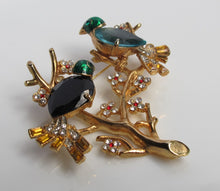 VENOIRE TWO BIRDS BROOCH WITH RHINESTONES BAGUETTES