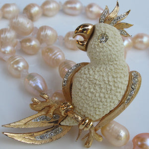 VINTAGE RESIN 'N RHINESTONE COCKATOO PIN