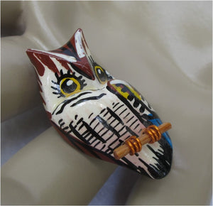 VINTAGE WOOD OWL PIN W/ WIRE FEET
