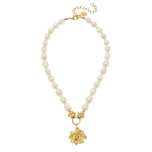 Delicate Flower Pearl Necklace