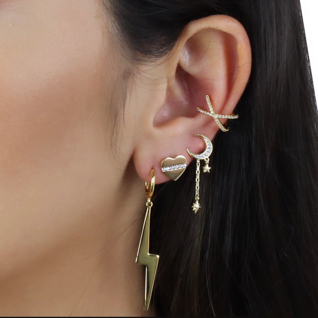 MOON EARRING WITH DANGLING STARS