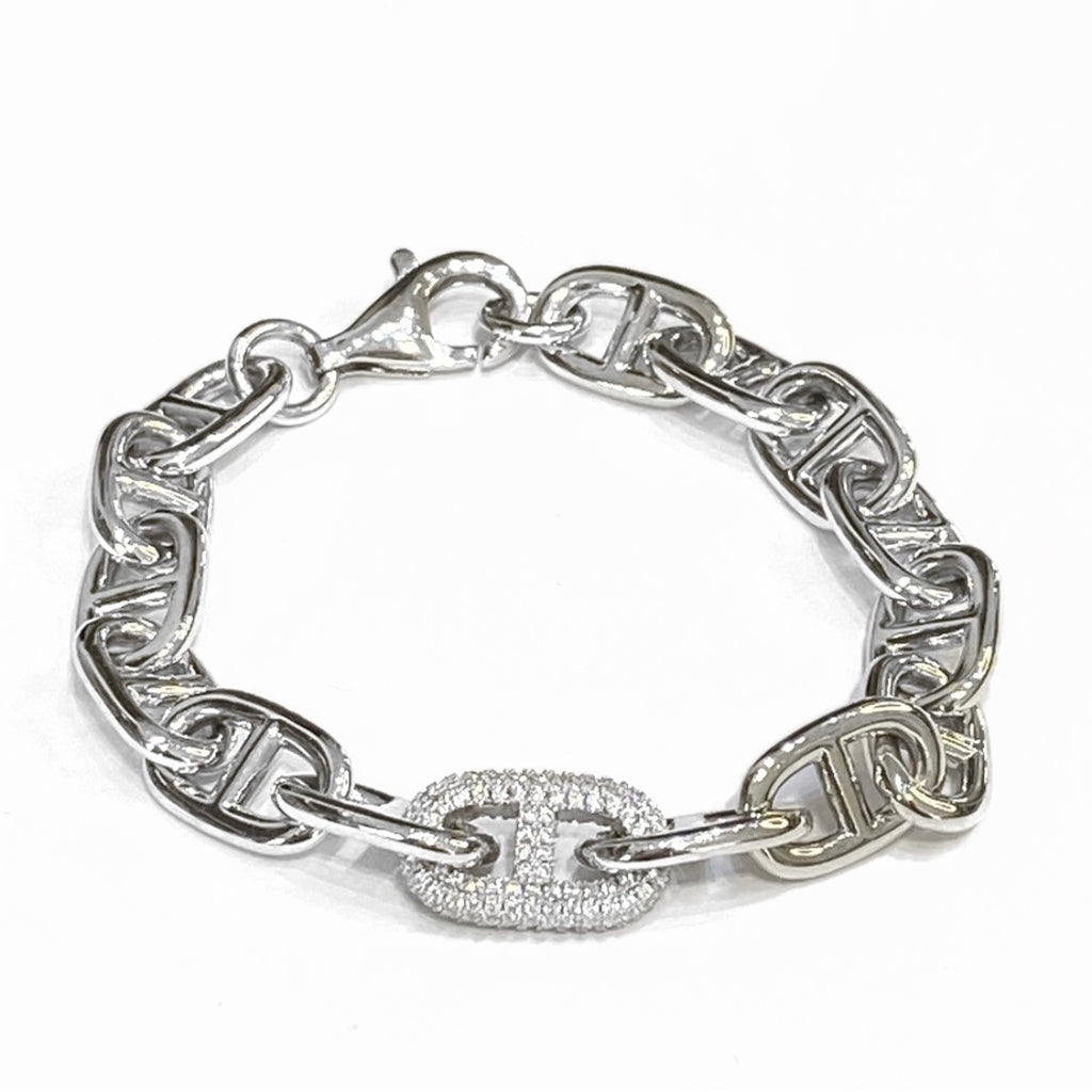OVAL CHAIN BRACELET WITH SINGLE PAVE MIDDLE LINK