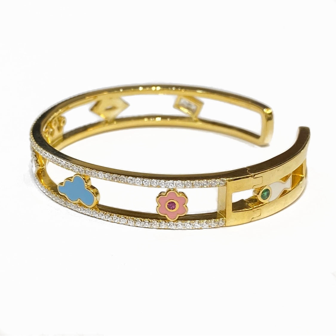 DREAMY BANGLE