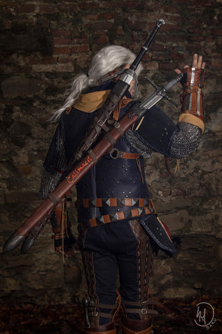 Why Witchers have Two Swords