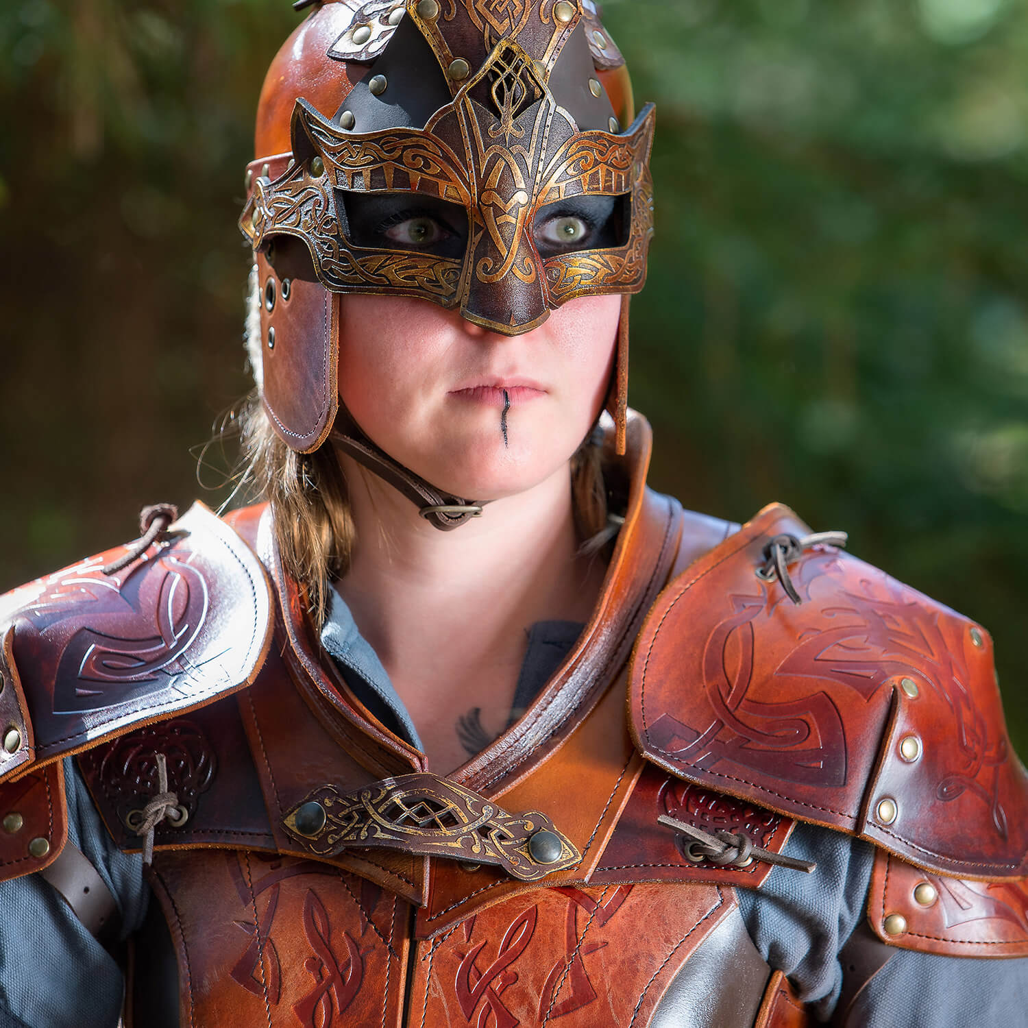 Shieldmaiden Neck Armor - Epic