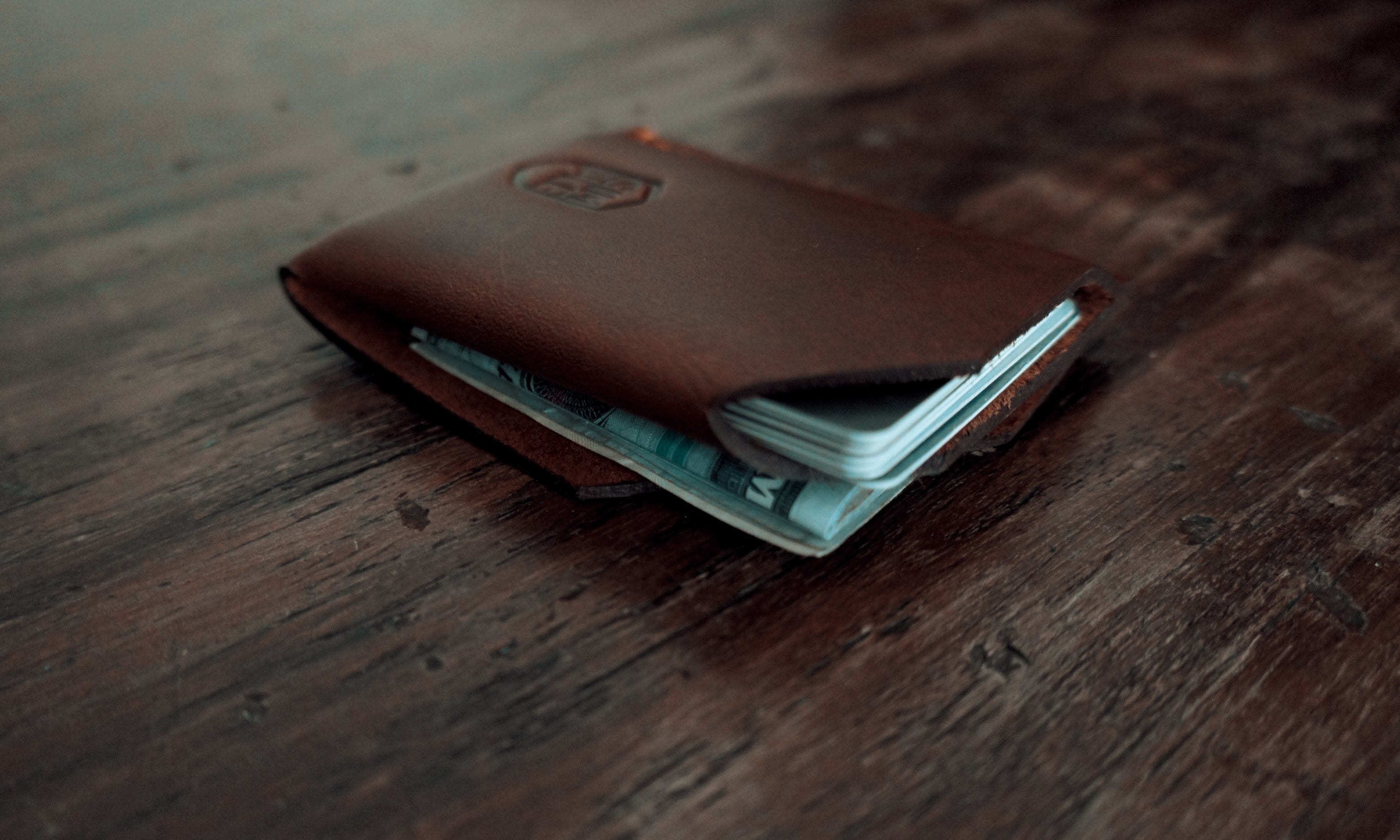 The Half, card wallet