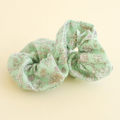 Adult scrunchie in Mint Floral
