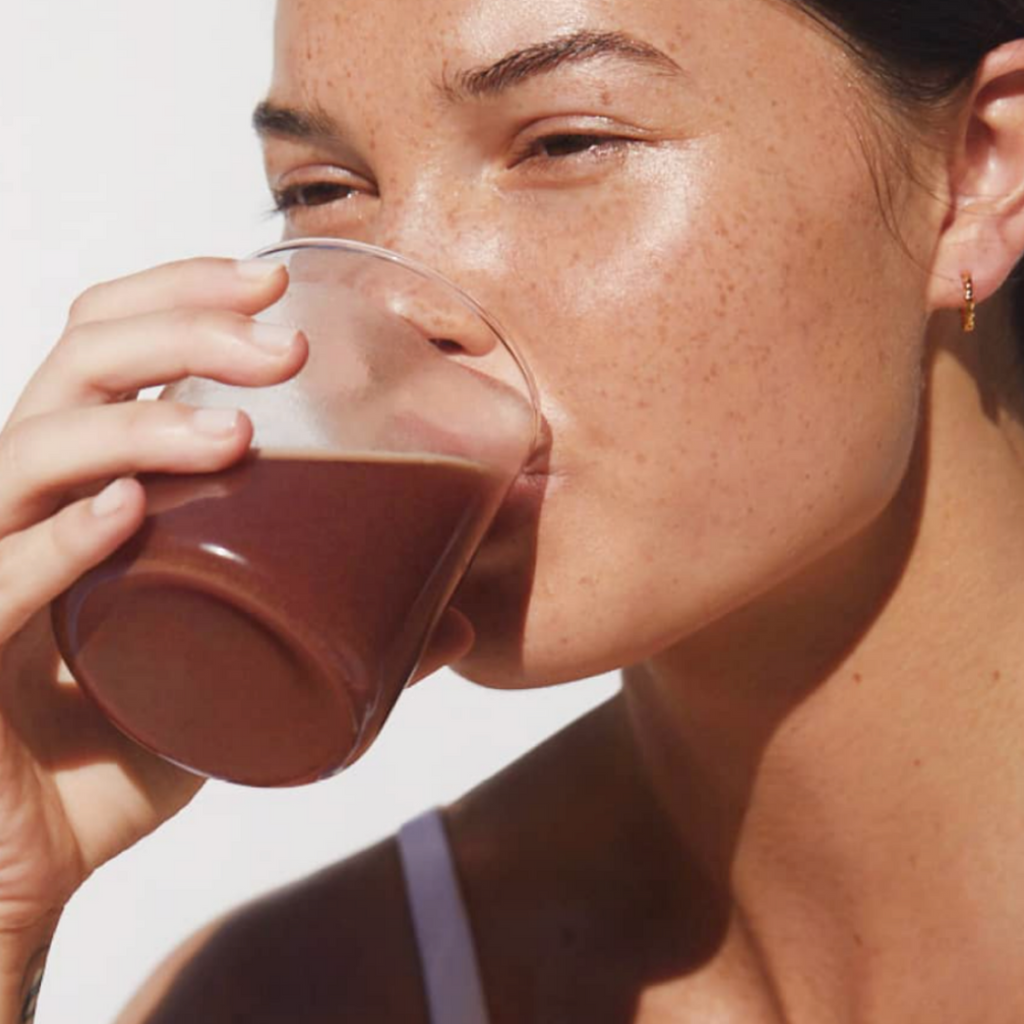 GLOWING SKIN VIA THIS SIMPLE SMOOTHIE RECIPE