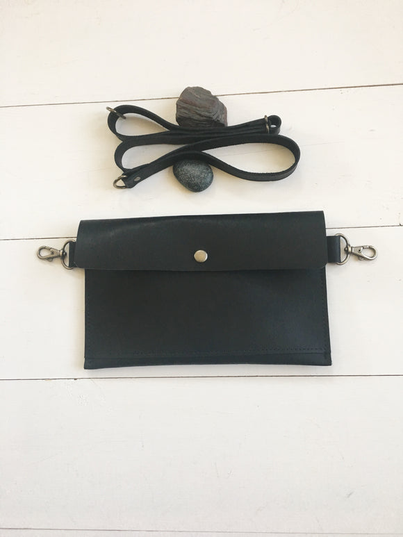 The Basic Hip Bag in Black