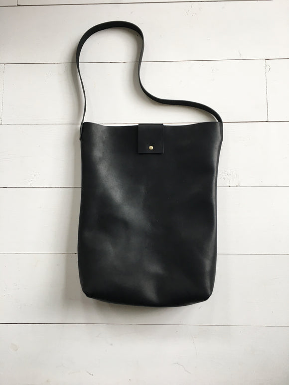 Simple, timeless, minimal tote in black