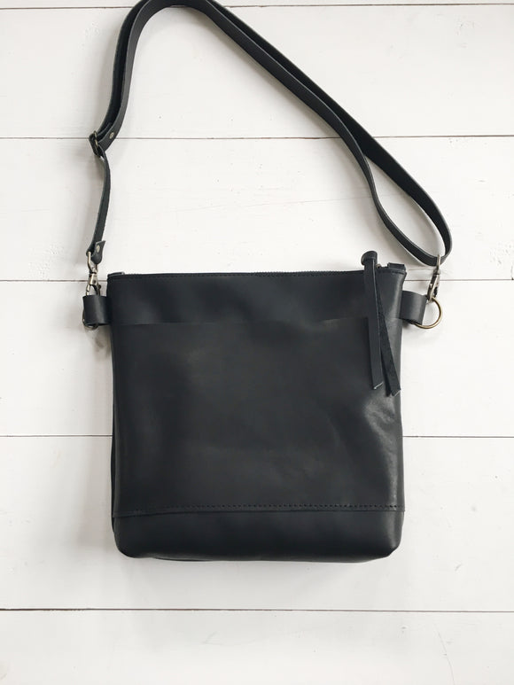 The Simple Crossbody Bag in Black