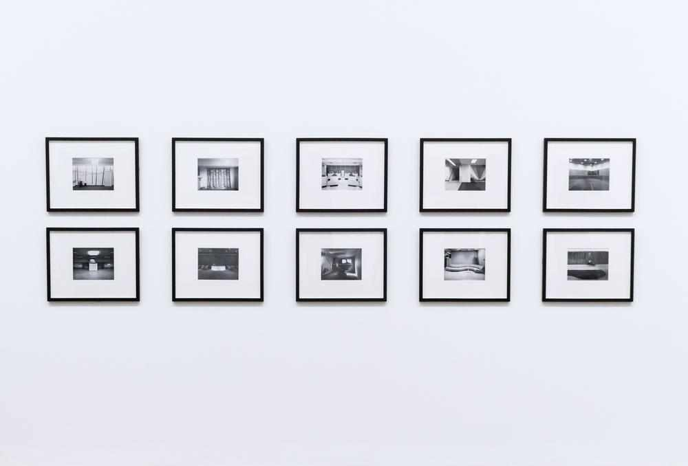 A complete guide to framing art-Abstract House