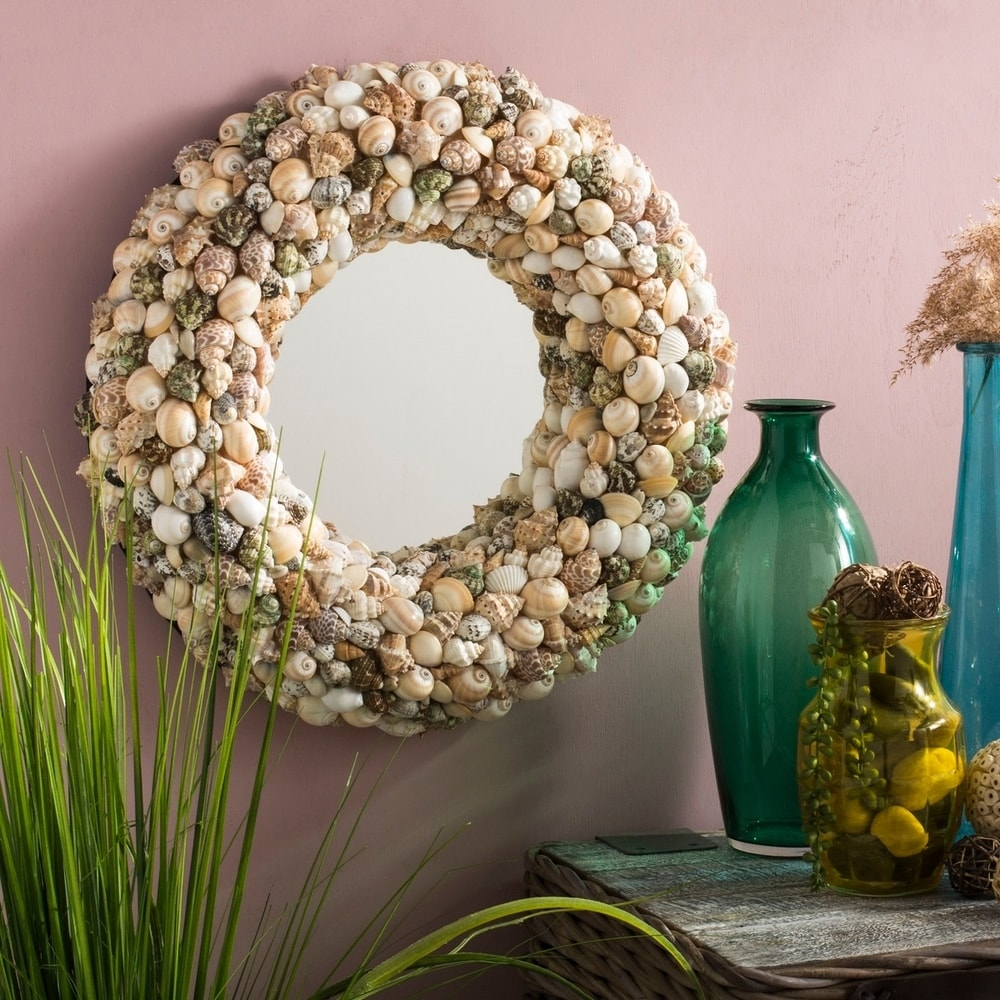 Cordero Coastal Seashell 20-inch Round Decorative Mirror - RoomsandDecor.com
