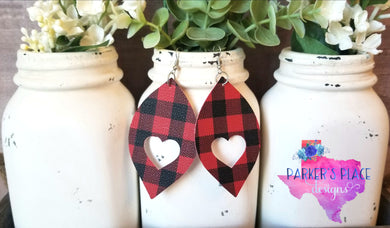 Buffalo Plaid Heart Leaf