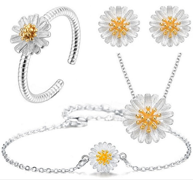Necklace Earrings Ring Bracelet Silver Plated Daisy Set