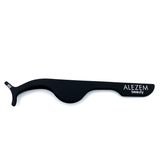 Alezem Beauty eyelash applicator in gorgeous black color, best tool for your eyelashes. apply lashes with alezem beauty lash applicator best brand of cosmetics in Pakistan.