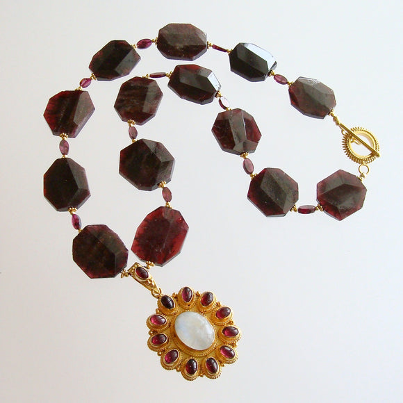 Garnet Slices With Byzantine Garnet Moonstone Pendant Necklace - Constantia Necklace