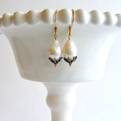 2-chantilly-ii-earrings-flameball-pearls-diamond-rhodium-silver-caps