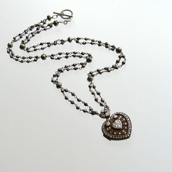 #3 Saint Esprit Paste Hear Locket Necklace Set