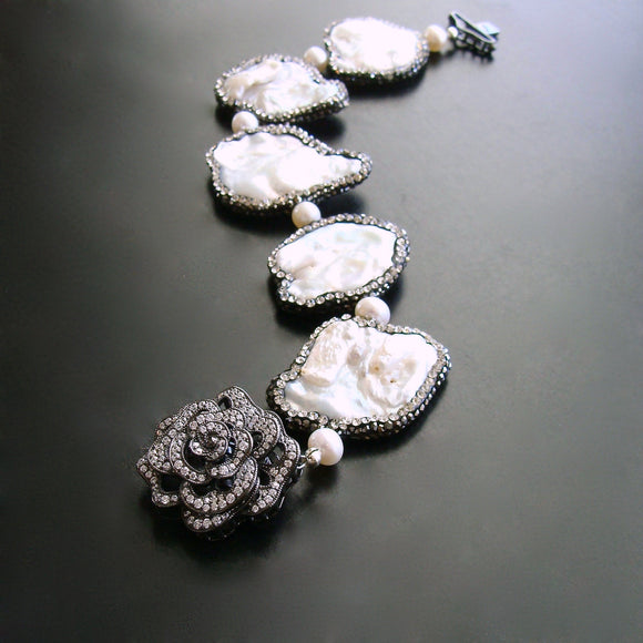 3pm-claudine-bracelet-baroque-pearls-crystal-flower-clasp