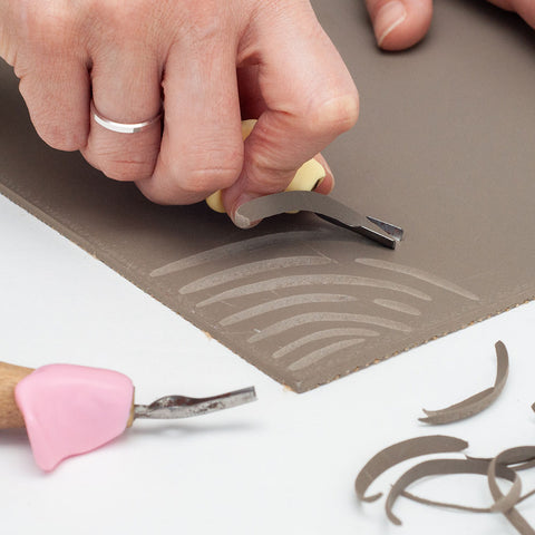 Adapted lino cutters for easier grip