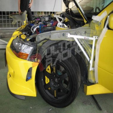 Ultra Racing Fender Bars for Mitsubishi Lancer Evo 8