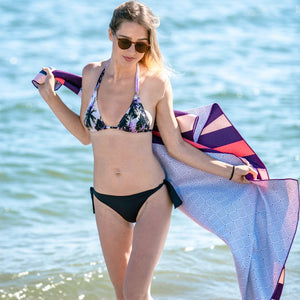 serviette plage anti sable beau soleil pop art fille bikini
