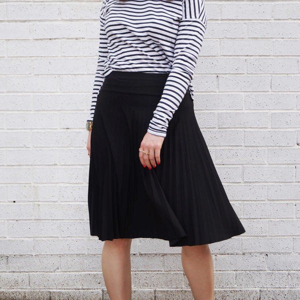 Ladies Floaty Pleat Skirt