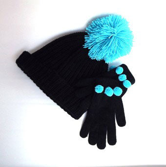 Coordinate your hat and gloves for winter.