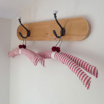 Everyone needs pompom hangers to hang their pompom clothing! These would make lovely presents.