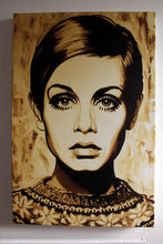 Twiggy in Gold