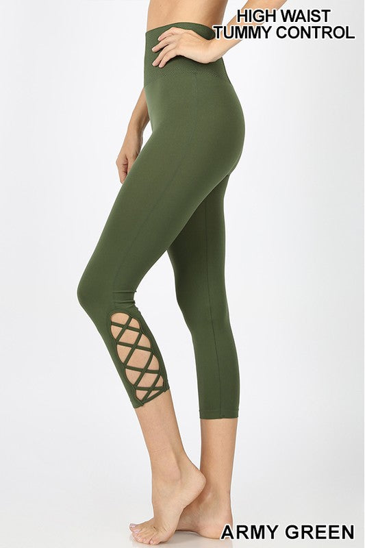 LATTICE-HEM TUMMY-CONTROL CAPRI LEGGINGS