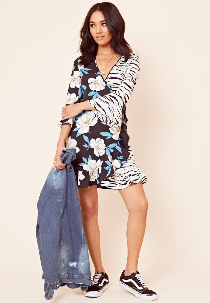 Contrast Print Wrap Midi Dress <br> Black