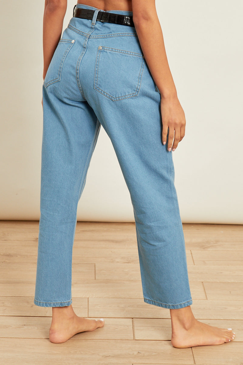 Mom Jeans in Light Wash </br> Blue
