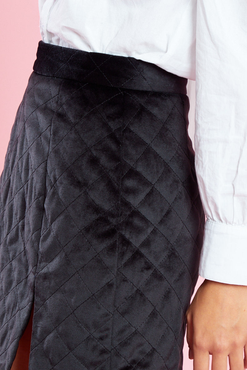 Diamond Quilted Velvet Mini Skirt with Split <br/> Black