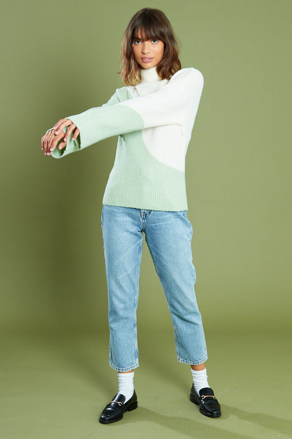 Swirl Colour Block Jumper with Roll Neck <br/> Green