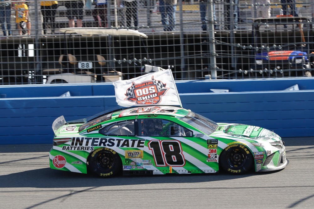 2019 1:64 Kyle Busch Interstate Batteries 200th WIN Diecast