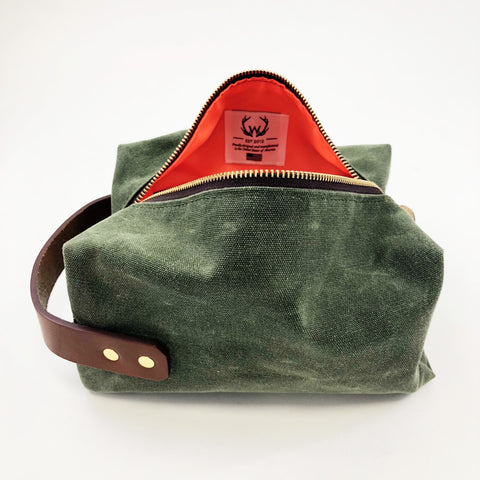 Customized Dopp Kits Manufactured