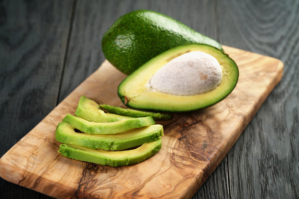 A Step-By-Step Guide to De-Pitting and Slicing an Avocado