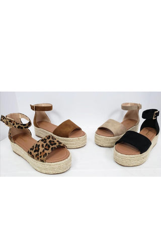 Salvia Sandals in Black