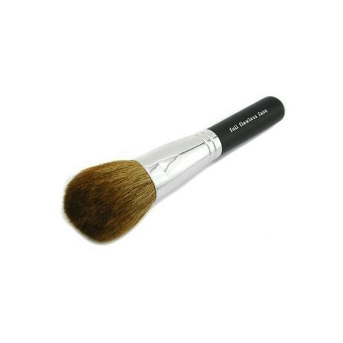 Full Flawless Application Face Brush  - - DIOR BELLA