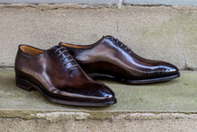 BROWN WHOLE-CUT OXFORD STYLE SHOES