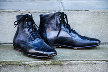 BLACK SPORT STYLE BOOTS