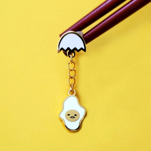 GUDETAMA  LAZY EGG CHAIN PIN