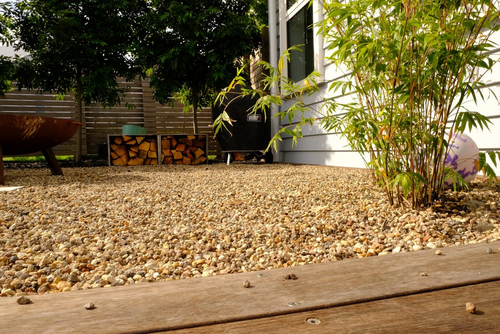 Make your garden pop with Waikato Fleck pebbles