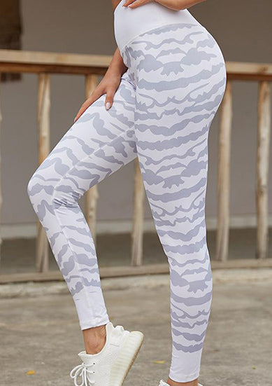 S916520-1 - Sports Trouser in White/Blue