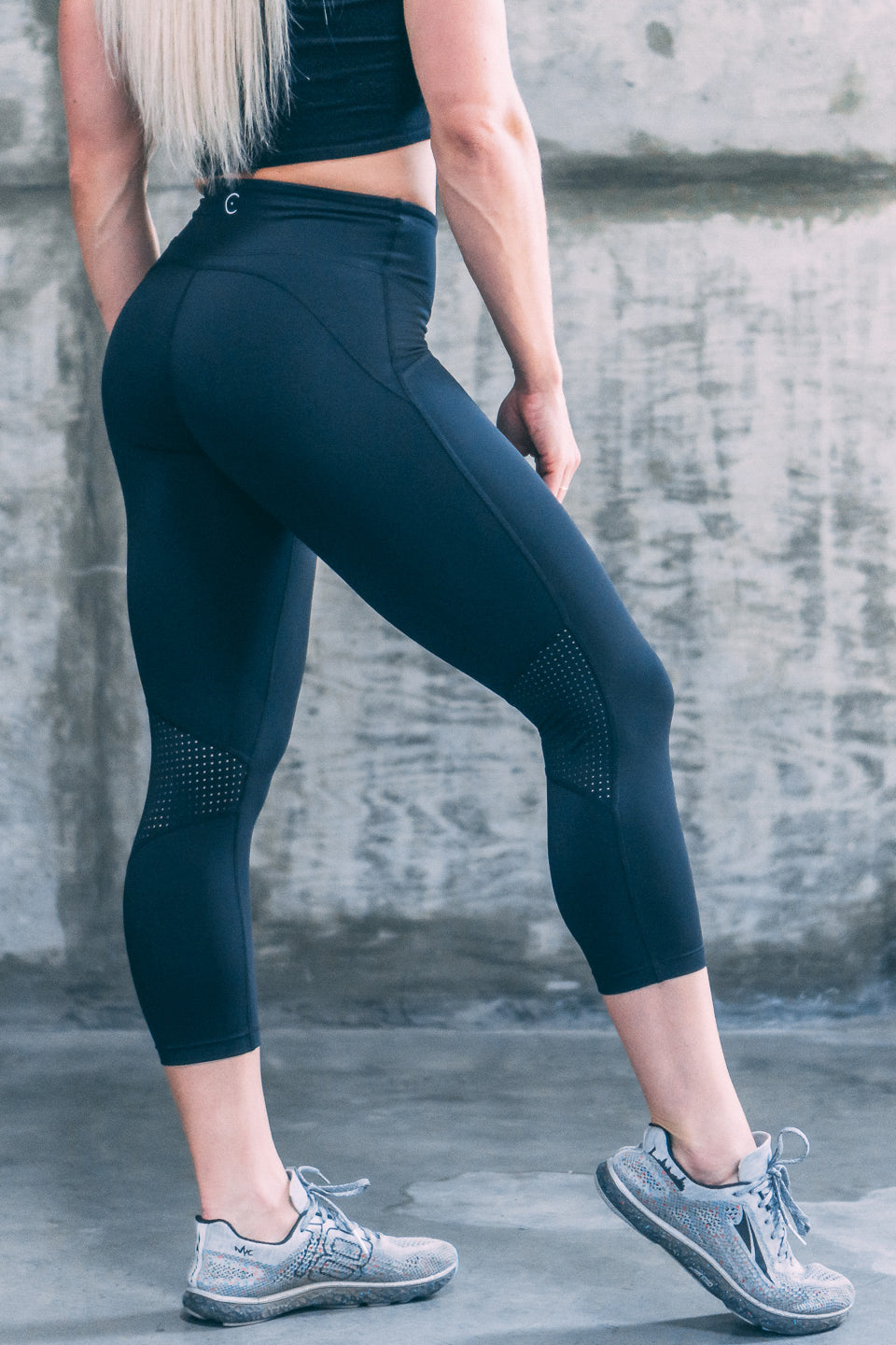 ENCE Capri Running Leggings