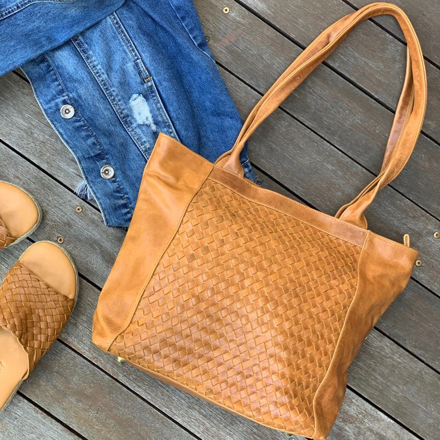 22406 Woven Tote Bag - Distressed Tan