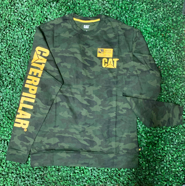 1510034 Cat Trademark Banner long sleeve Camo