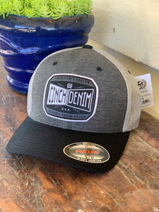 MCC0627756 Cinch Logo Flex fit Cap Grey/Black